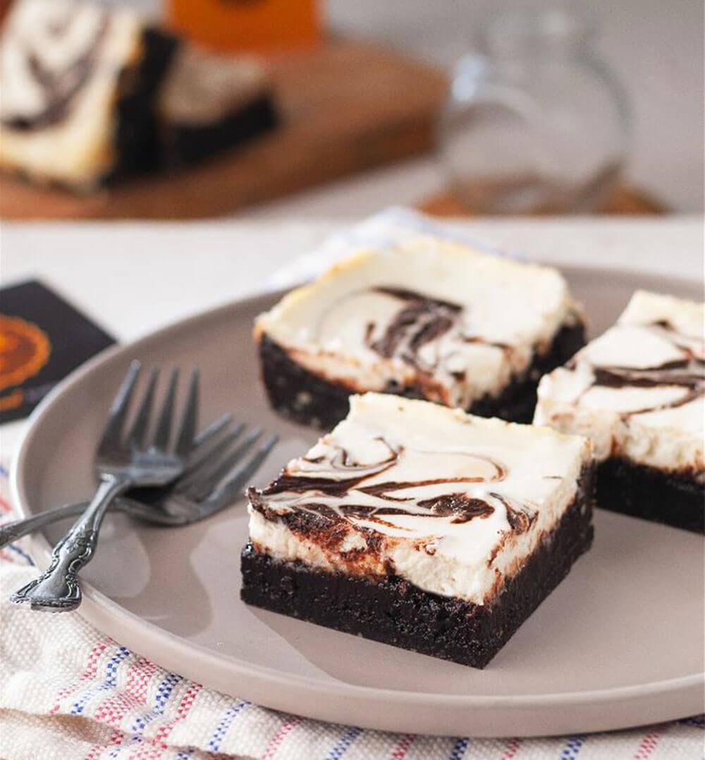 Cheesecake Brownie (Single Serving)